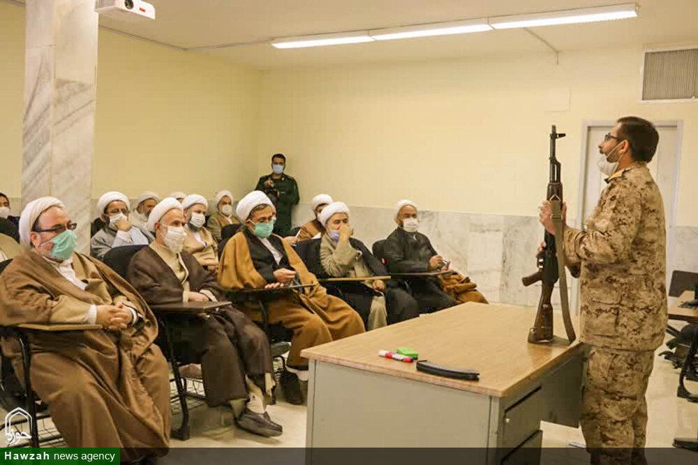 حضور اساتید سطح عالی حوزه علمیه اصفهان در میدان تیر +عکس