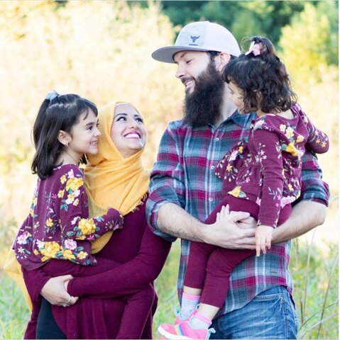 از حجاب تا رمضان: اسلام آموزی زوج مسلمان کانادایی در اینترنت