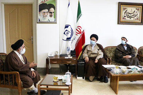 نشست رئیس مرکز خدمات با قرارگاه حوزه انقلابی مجمع نمایندگان