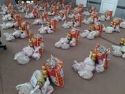 بانوان طلبه بناب بسته های معیشتی را به نیازمندان اهدا کردند
