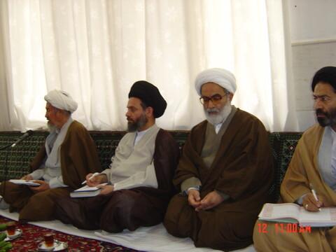 تصاویر آرشیوی از دیدار اعضای شورای عالی حوزه با آیت الله العظمی فاضل لنکرانی در فروردین۱۳۸۶