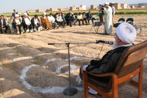 تصاویر آرشیوی از مراسم کلنگزنی ساختمان جامعة القرآن کریم توسط آیت الله العظمی صافی در فروردین ۱۳۸۵