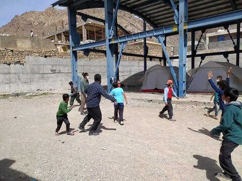 تصاویر شما/ خدمترسانی طلاب جهادی موسسه فقهی امام حسین(ع) قم در مناطق زلزله زده سیسخت