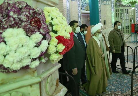 تصاویر / حضور و اقامه نماز توسط آیت الله العظمی نوری همدانی در شب نیمه شعبان در مسجد مقدس جمکران