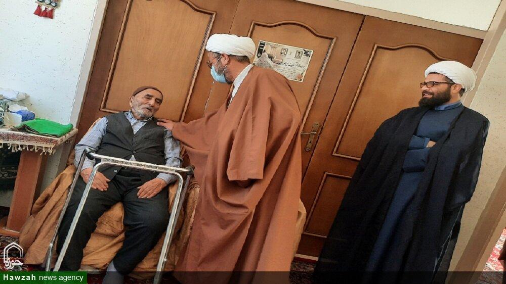 مدیران حوزه برادران و خواهران استان سمنان با خانواده شهید مؤمنیان دیدار کردند + عکس