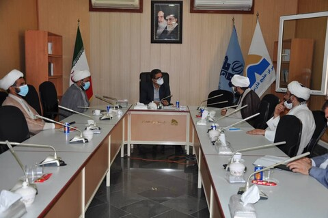 نشست مسئول مرکز رسانه و فضای مجازی حوزههای علمیه با مدیرکل صدا و سیمای مرکز خلیج فارس