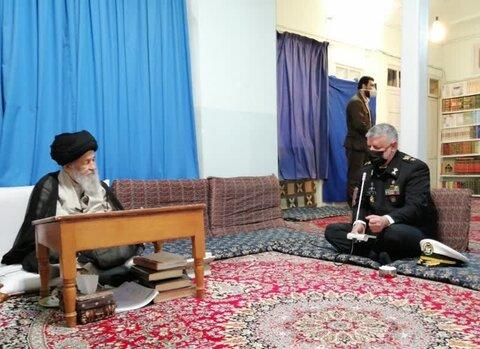 دیدار فرمانده نیروی دریایی ارتش با آیت الله علوی گرگانی