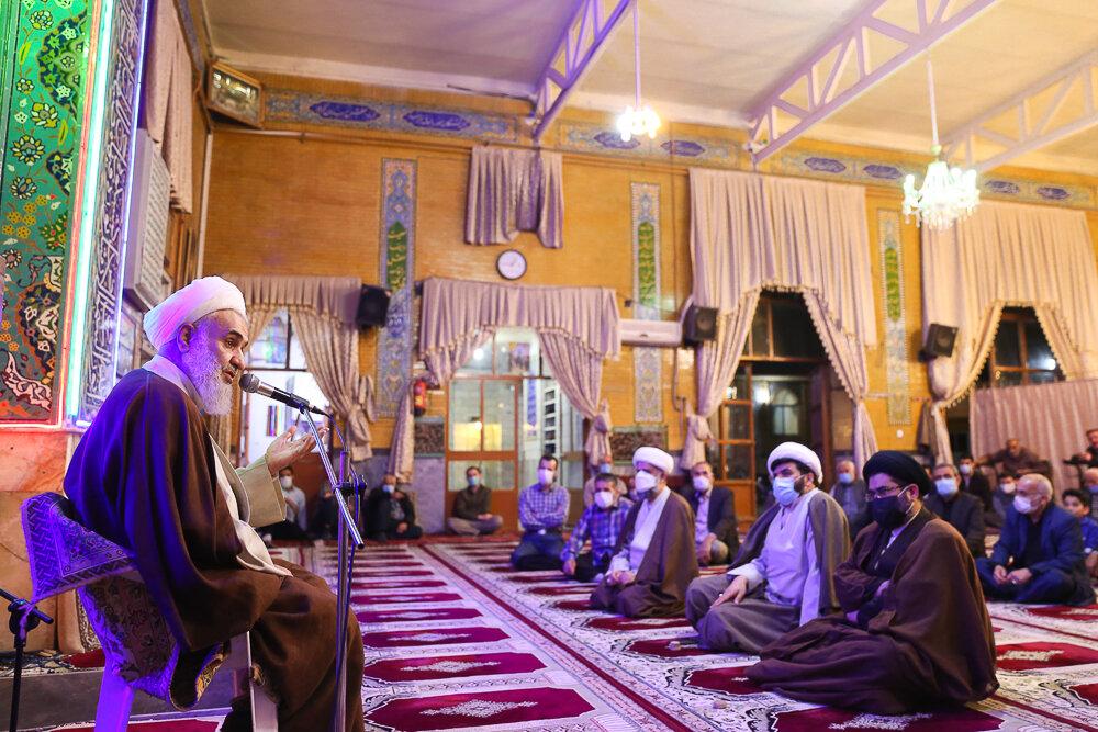 مسجدی زنده است که از حال فقرای محله خبر داشته باشد