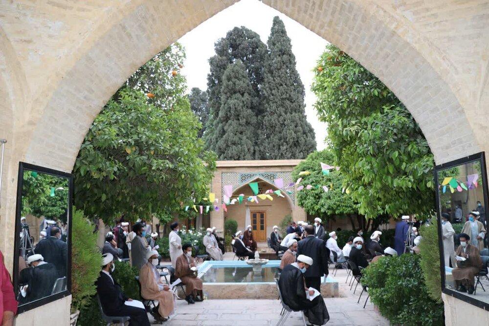 تصاویر/ گردهمایی مبلغین قرارگاه عمار مدرسه علمیه منصوریه شیراز