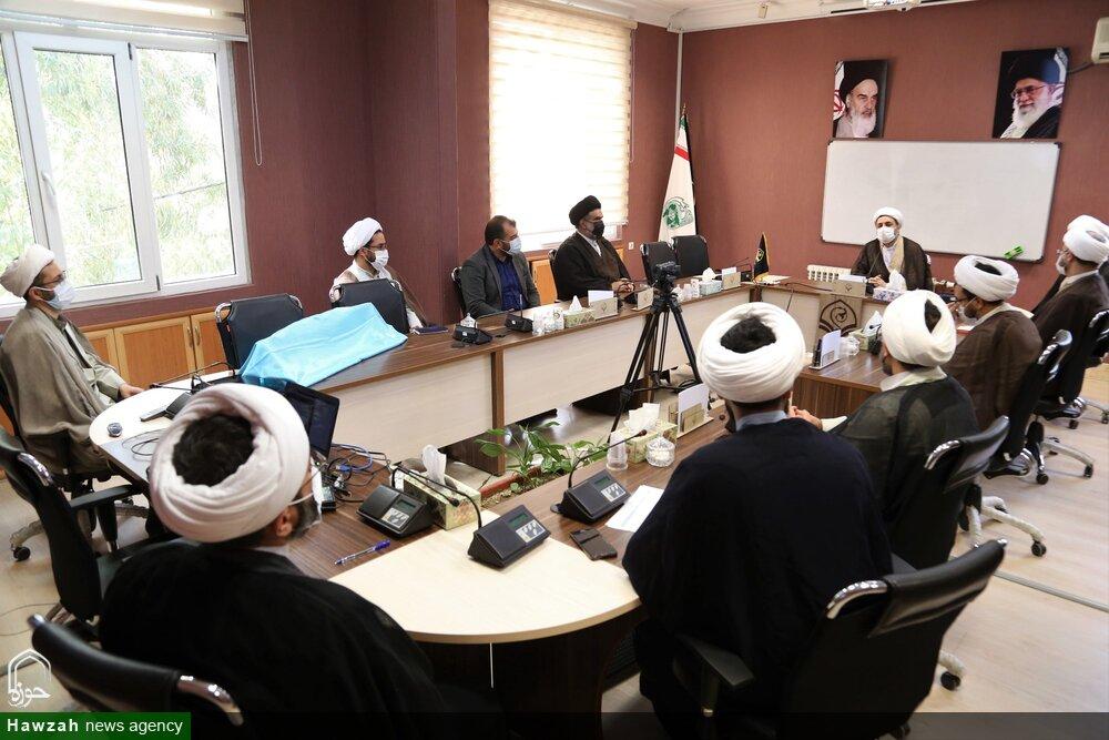 تصاویر/ مراسم رونمایی اثر شش جلدی «از قرآن بپرسیم» و پاسخگویی تلفنی در اپلیکیشن «پاسخگو»