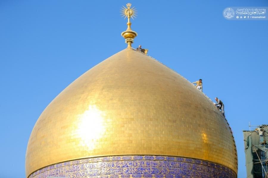 بالصور/ المباشرة بغسل القبة الشريفة لمرقد أمير المؤمنين(عليه السلام) في شهر رمضان الكريم