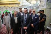 السفير الدنماركي يزور مرقد الامام الحسين (ع) بكربلاء + الصور