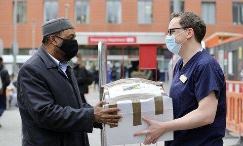 غذارسانی خیریه مسجد شرق لندن در ماه رمضان به کارمندان بیمارستانی و نیازمندان