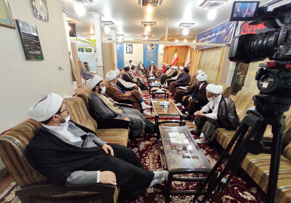جریان غرب گرا به راحتی از انتخابات کنار نمی کشد/ روحانیت نباید تبدیل به یک حزب شود