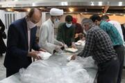 طبخ و توزیع روزانه ۱۰۰۰ پرس غذای افطاری درب منازل نیازمندان چهارمحال و بختیاری