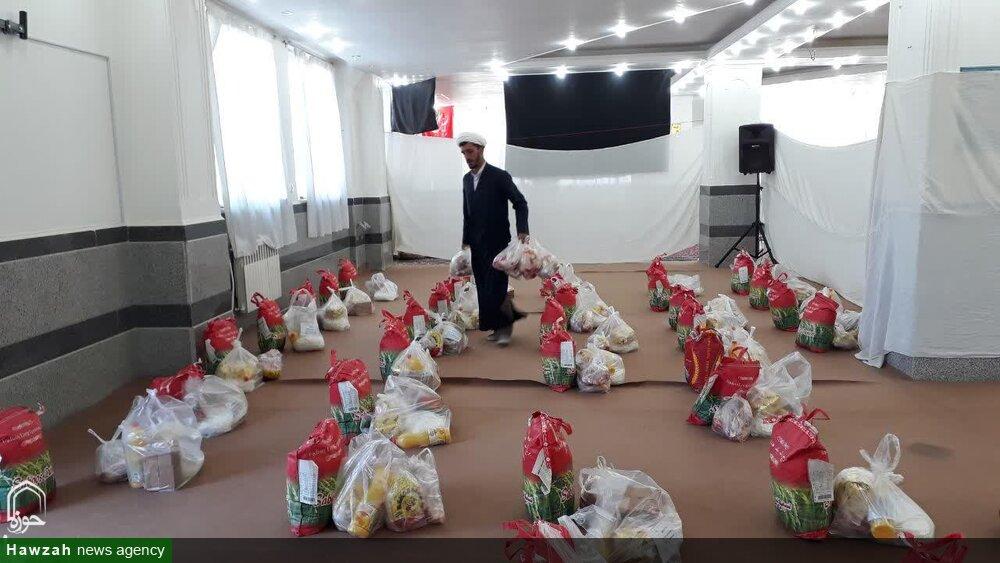 مرکز نیکوکاری حوزه خواهران بناب بسته های معیشتی بین نیازمندان توزیع کرد