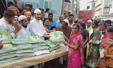 حیدرآباد هند: توزیع هدایای رمضان از مساجد