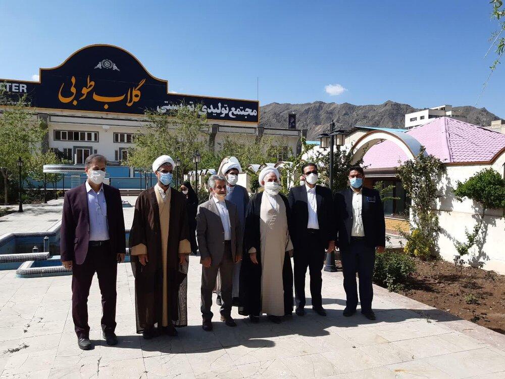 بازدید دو ساعته امام جمعه کاشان از مجتمع گلاب طوبی