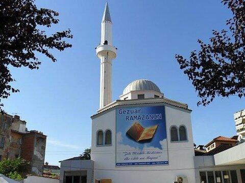 حمله به نماز گزاران در آلبانی