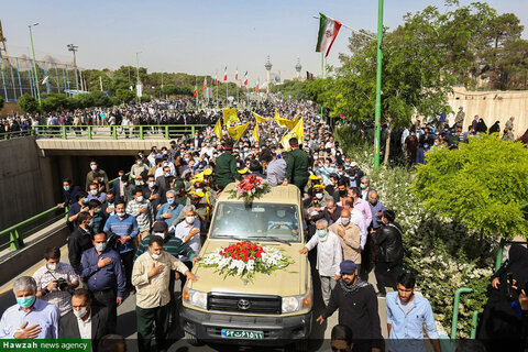 بالصور/ مراسيم تشييع العميد حجازي في أصفهان