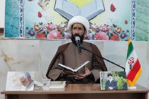 حجت الاسلام روح الله کرمی نیا مدیر مدرسه علمیه امام خمینی(ره) اسلام آباد غرب