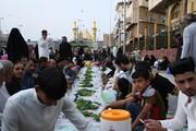 بالصور/ اهالي كربلاء يقدمون الافطار الرمضاني لزوار مدينتهم بهذه الطريقة