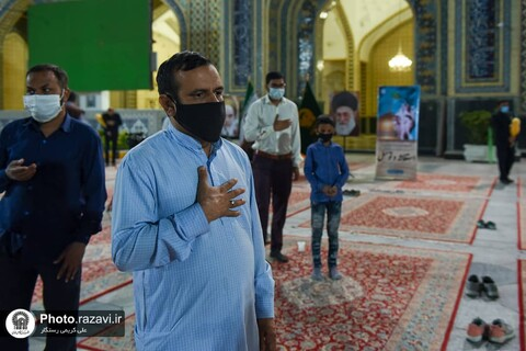 امام رضا (ع) کے حرم میں ہندوستانی عوام کے لئے اجتماعی دعا و استغاثہ