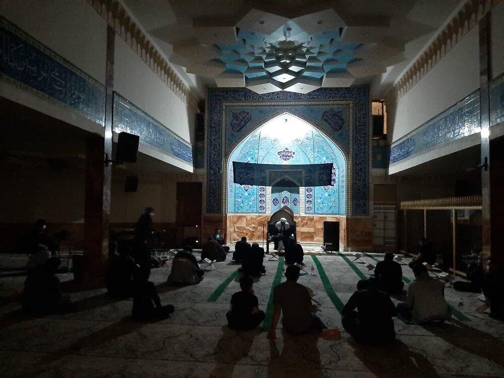 تصاویر/ مراسم احیای شب نوزدهم ماه مبارک رمضان در مدرسه علمیه مهدوی و ایلچی تهران