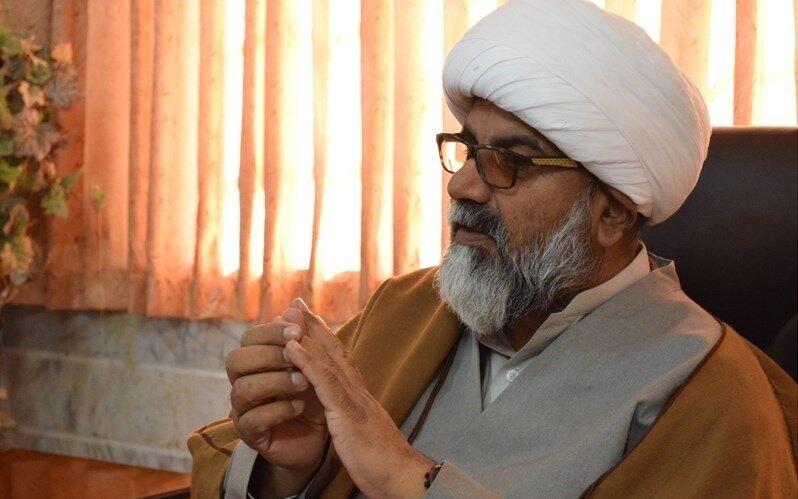 امام خمینی(ره) روشهای استکبار در جهان اسلام را برملا کرد