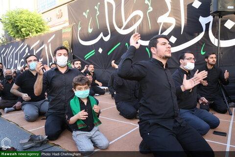 بالصور/ المرجع الديني آية الله وحيد الخراساني يشارك في مجلس عزاء ذكرى استشهاد الإمام علي (ع) بقم المقدسة
