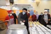 تصاویر / بازدید نماینده ولی فقیه در آذربایجان شرقی از مراکز توزیع بسته های کمک معیشتی