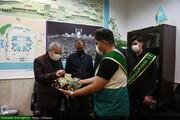 توزیع بسته های تبرکی امام رضا(ع) بین خادمان مسجد مقدس جمکران