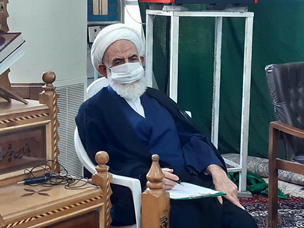 اعلام آمادگی امام جمعه کاشان برای تزریق واکسن ایرانی کرونا