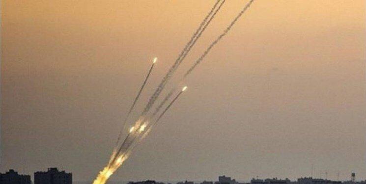 زخمی شدن حدود ۱۰۰ صهیونیست و هلاکت ۴ تن در حمله راکتی مجاهدان فلسطینی