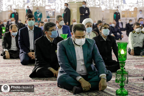 روضہ امام رضا (ع) کے میں زیارت کے لئے دارالحجہ ہال میں نئی جالی کی رونمائي