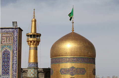 ارجنٹائن کا تاجر امام رضا (ع) کے حرم میں مشرف بہ اسلام