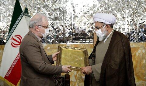 تقدیر وزیر بهداشت از تولیت آستان قدس در رعایت پروتکل های بهداشتی حرم مطهر رضوی