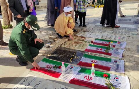 تصاویر/ گلباران مزار شهدای سوم خرداد در قم
