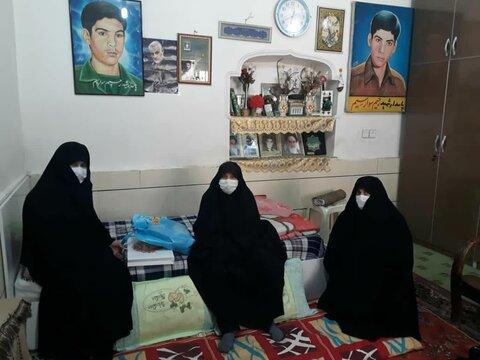 دیدار جمعی از خواهران طلبه دزفولی با مادر شهید سوارسیم