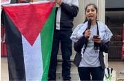 سياسية بريطانية تحرج جونسون حول أسلحة قتل أطفال غزة
