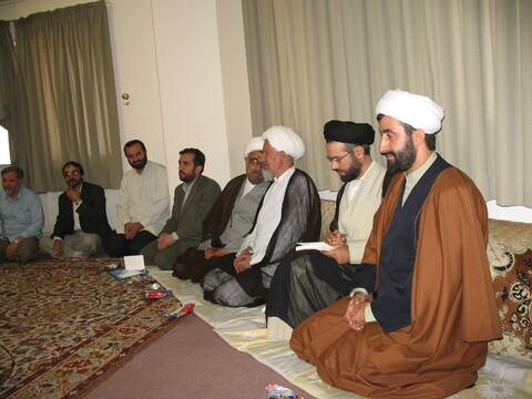 تصاویر آرشیوی از ششمین گردهمایی خانواده حوزویان شرکت کننده در کلاسهای معارف اسلامی در خردادماه ۱۳۸۵