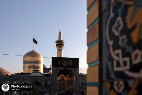 امام رضا (ع) کا روضہ، صادق آل محمد کے یوم شہادت پر سیاہ پوش