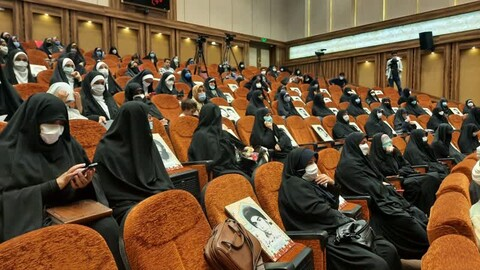 تصاویر/ نشست هم اندیشی بانوان استان با عنوان«پیشگامان نهضت»