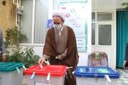 آیت الله اعرافی، مدیر حوزه های علمیه رأی خود را به صندوق انداخت