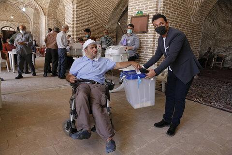 تصاویر/ شعب اخذ رای قزوین در انتخابات 1400