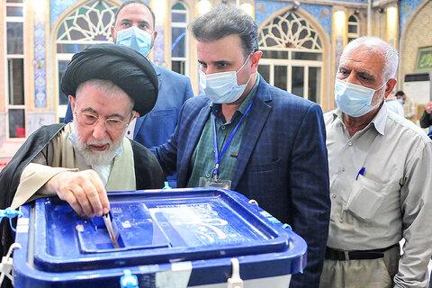 تصاویر/ حضور علمای خوزستان پایِ صندوقهای رأی انتخابات ۱۴۰۰