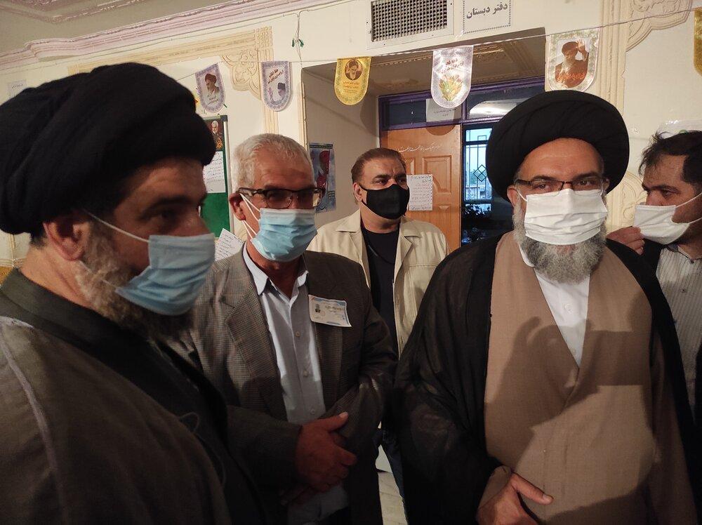 بازدید نماینده ولی فقیه از روند انتخابات در مرکز استان کهگیلویه و بویراحمد
