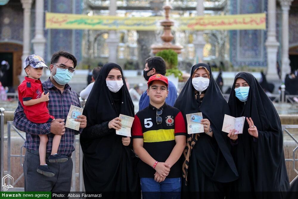 تصاویر/ حضور پرشور مردم قم در انتخابات ۱۴۰۰