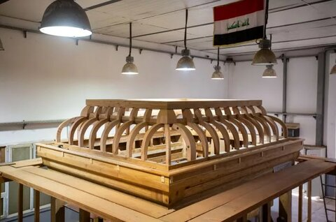 الانتهاءُ من صناعة الهيكل الخشبيّ لشبّاك مرقد السيّدة زينب (عليها السلام)