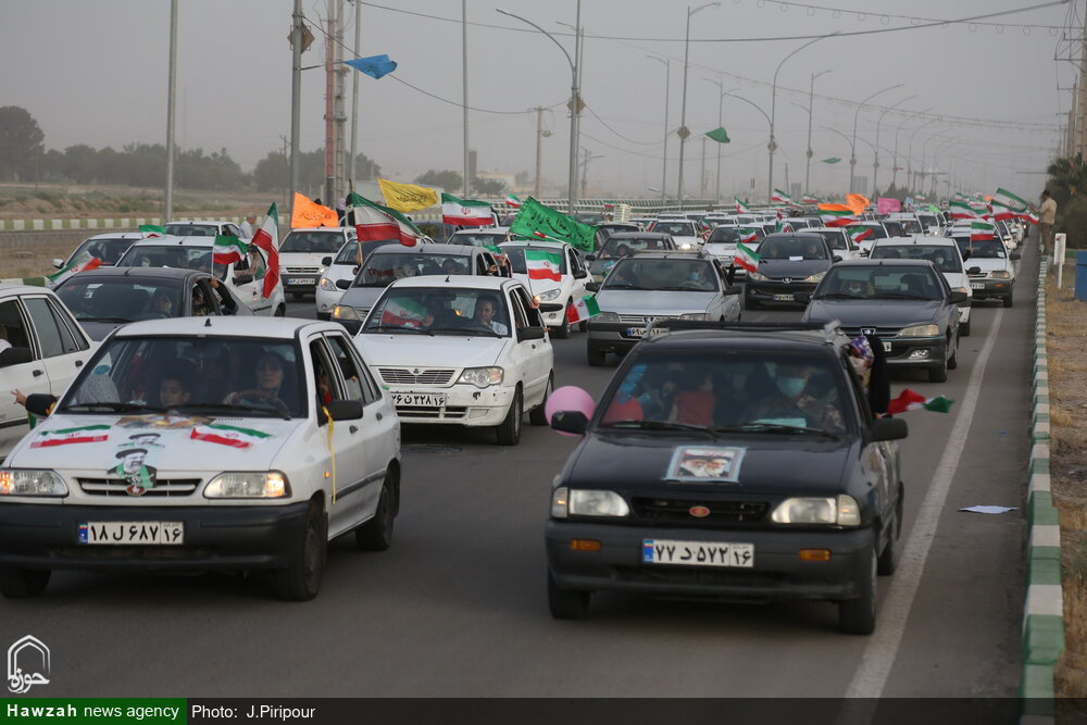 تصاویر/ کاروان بزرگ خودرویی به شکرانه پیروزی مردم در انتخابات